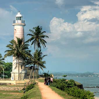 galle-fort-lighthouse-view