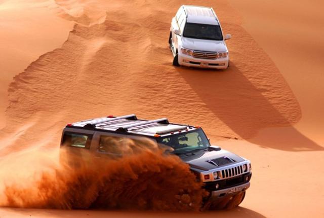 resor till dubai - dune bashing